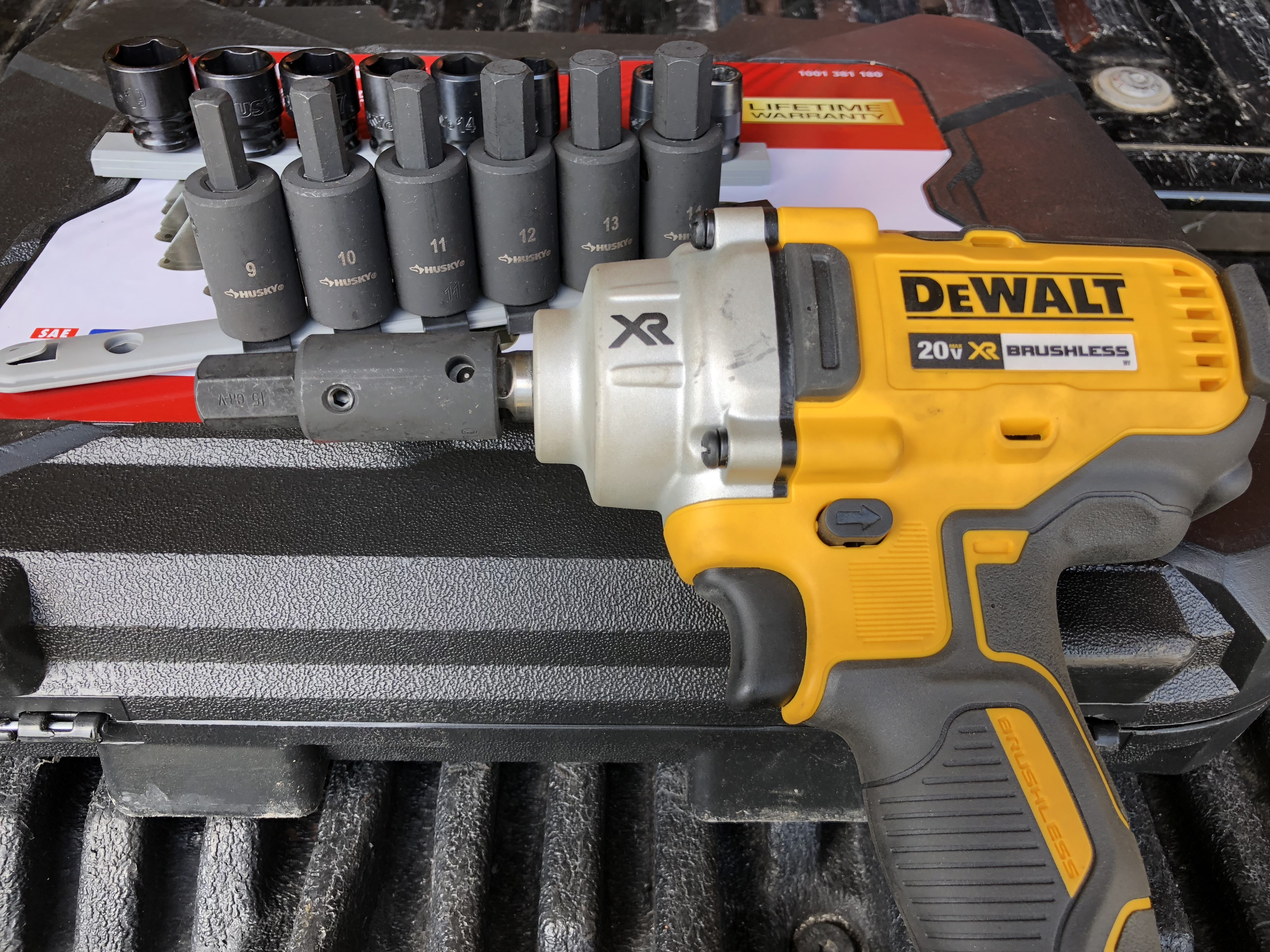 Truck and trailer maintenance with DeWalt and Husky – #THDProspective #HomeDepot